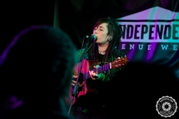 akgphotos-cat-caldwell-bungalow-paisley-29-january-2017-6