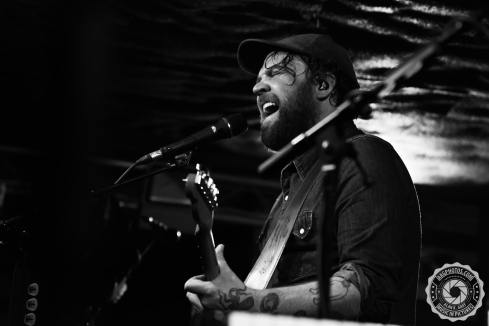 akgphotos-frightened-rabbit-bungalow-paisley-29-january-2017-24
