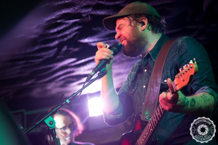 akgphotos-frightened-rabbit-bungalow-paisley-29-january-2017-26